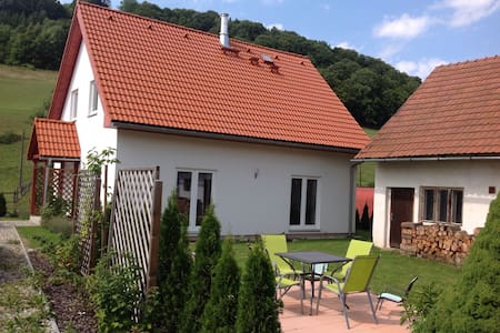 Family-Friendly House in Leskovec - Casa