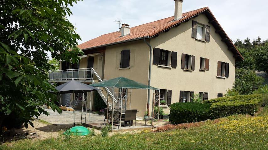 Chambre d'hôte indépendante - Arsac-en-Velay - Hus