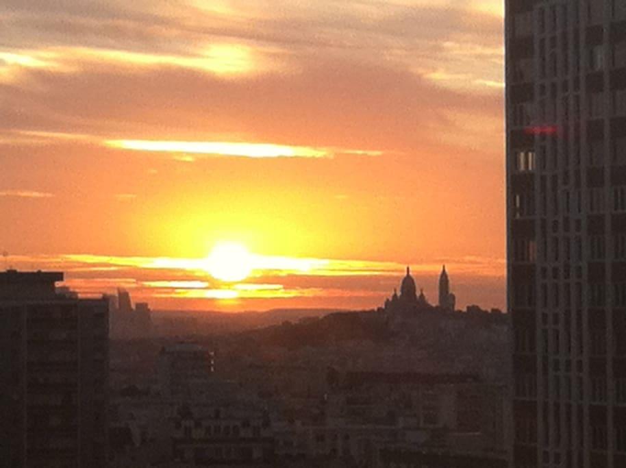 the view !Sacré -Coeur ,sunset !