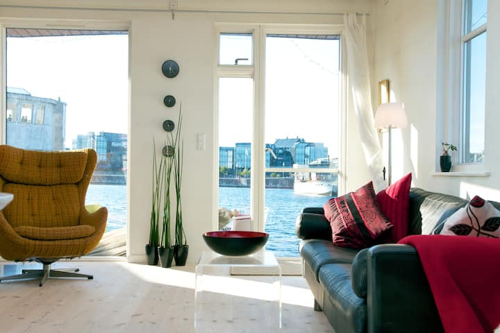 Enjoy CPH -  living on a Houseboat