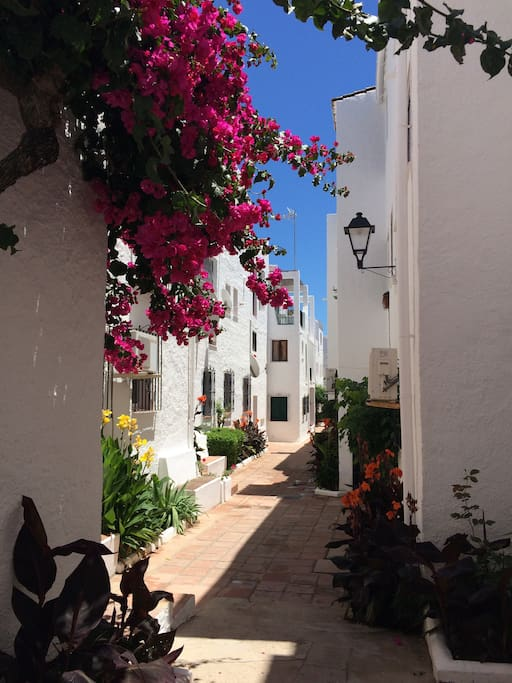 Peacefully located in a pretty, typically Spanish style 'Pueblo'.