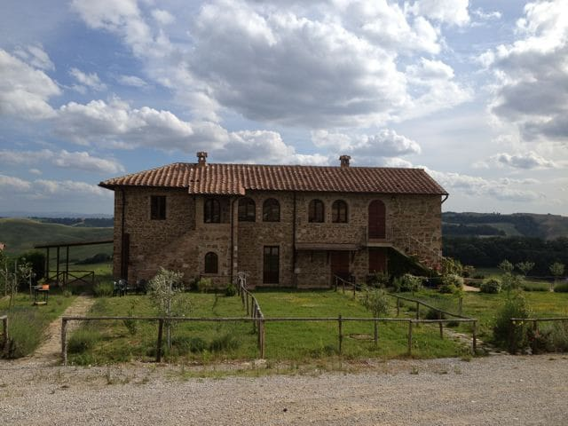 Country Home Apt. in Crete Senesi - Torre A Castello - Appartement