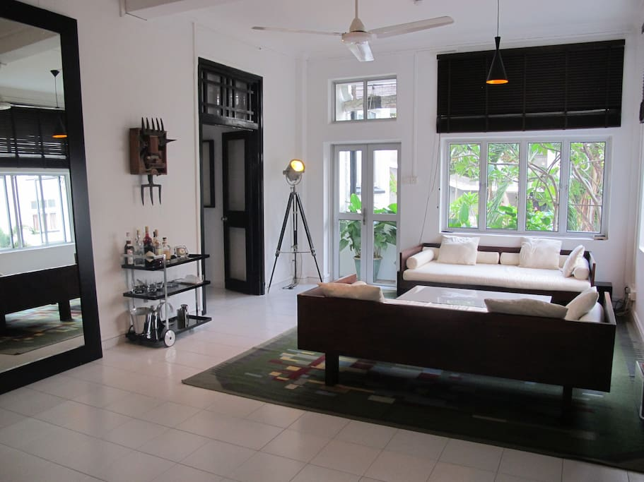Spacious living room, with balcony