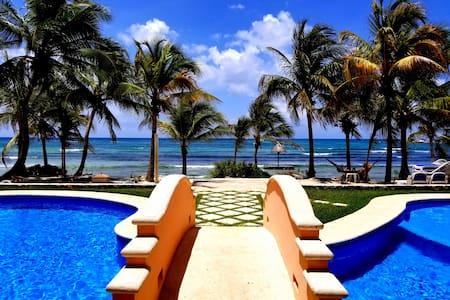 Private Beach, Beachfront Complex, 2 Pools, WiFi