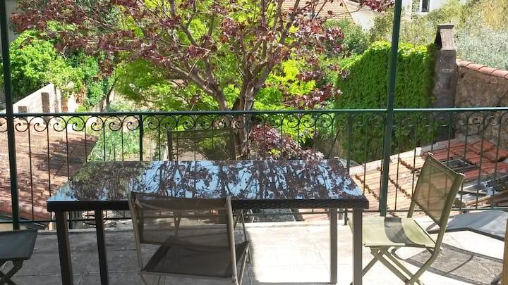 Appartement avec terrasse à Clermont l' herault