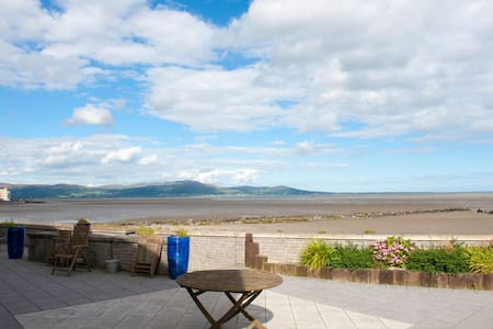 Modern apartment on the beach, Blackrock, Co Louth