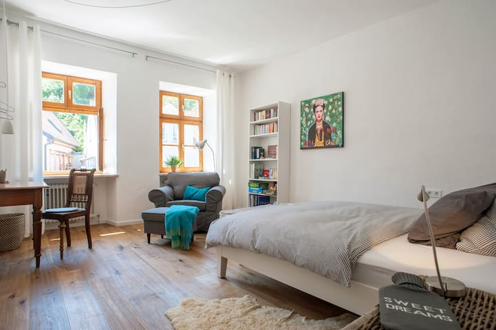 Freising zentral mit Charme - Freising - Lejlighed