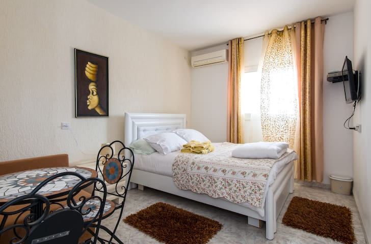 Hotel California - Tiberias - Villa