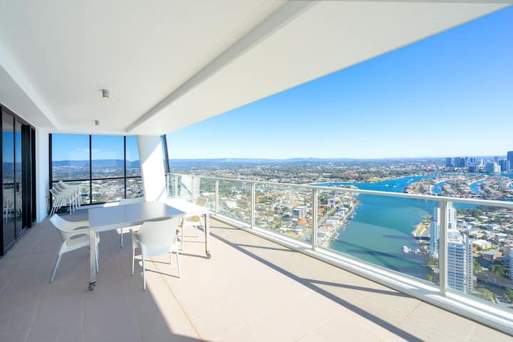 Circle On Cavill 52nd Floor Spacious Skyhome Apartment