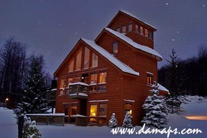 Mountain Ski Chalet - Granite, Stainless, Hottub! - Davis - Dům