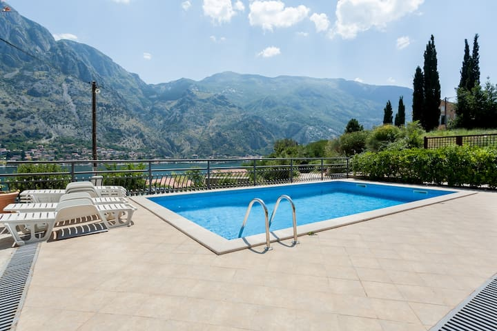 Two bedrooms apartment with pool - Kotor-Muo - Pis