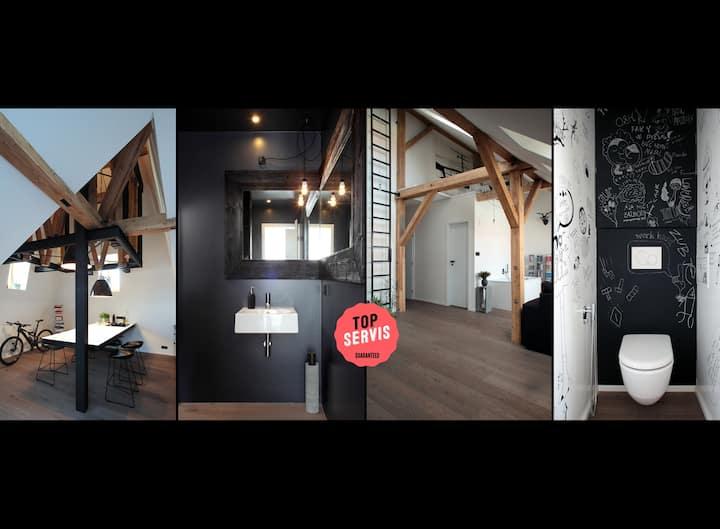 Cool unique design loft in central Prague!
