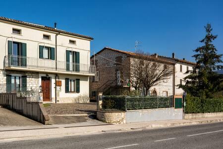 IL POLLAIO: casa indipendente e ampio cortile