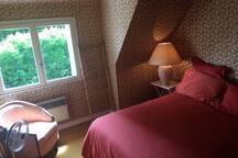 Chambre 3 : 1 lit double 160cm