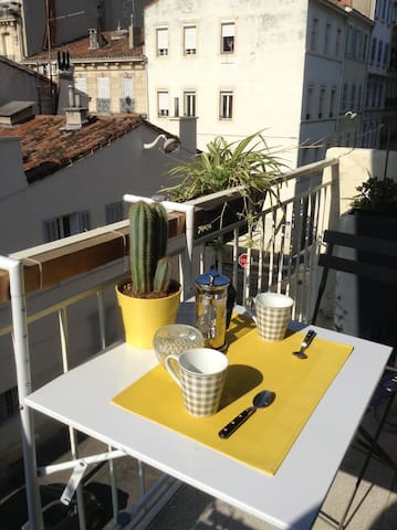 Studio calme prox hyper centre WIFI, pas cher !!! - Marseille - Lägenhet