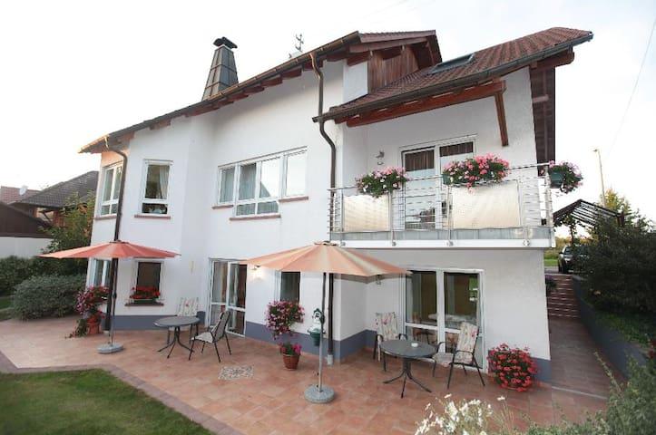 Ferienwohnung 2 mit Küche/Dusche/WC - Kapellen-Drusweiler - Apartament