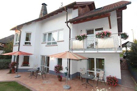 Ferienwohnung 2 mit Küche/Dusche/WC - Kapellen-Drusweiler