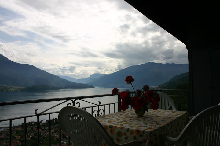 Lago Di Como, Lake View, Montemezzo - Cerceno - Apartment