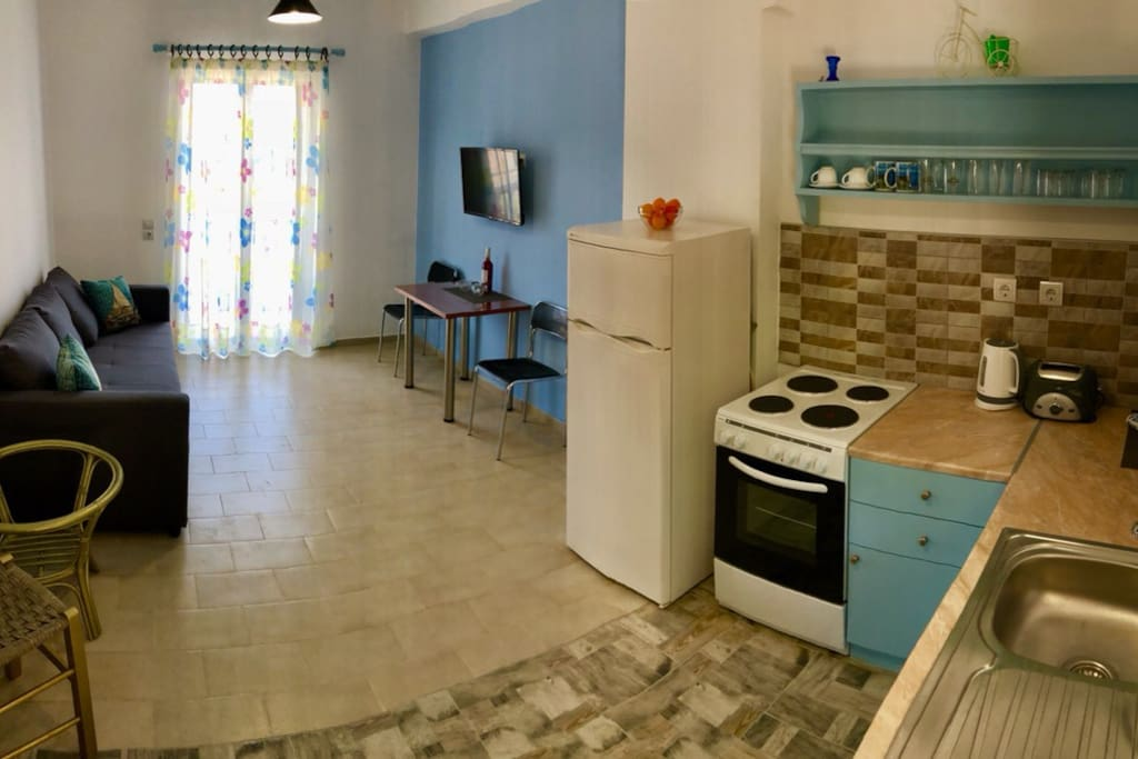 Kitchen & sitting room