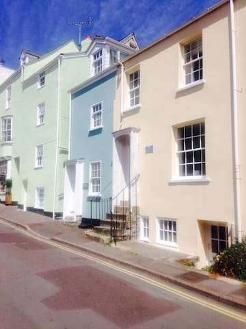 Anne's Little House - Heart of Lyme - Lyme Regis