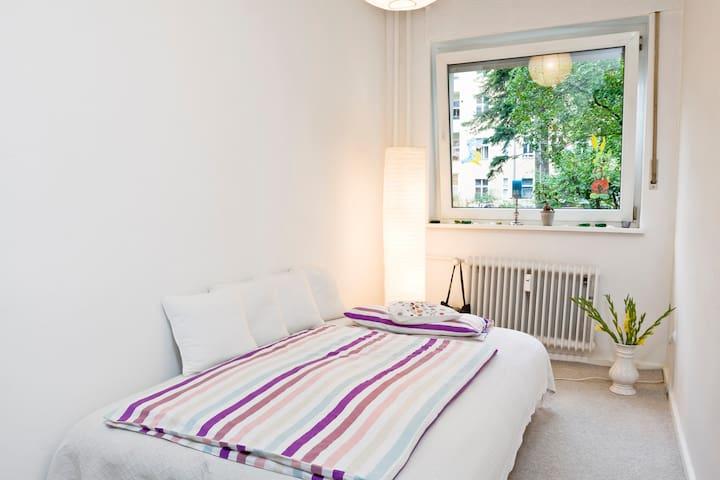 Cosy room in the heart of Berlin