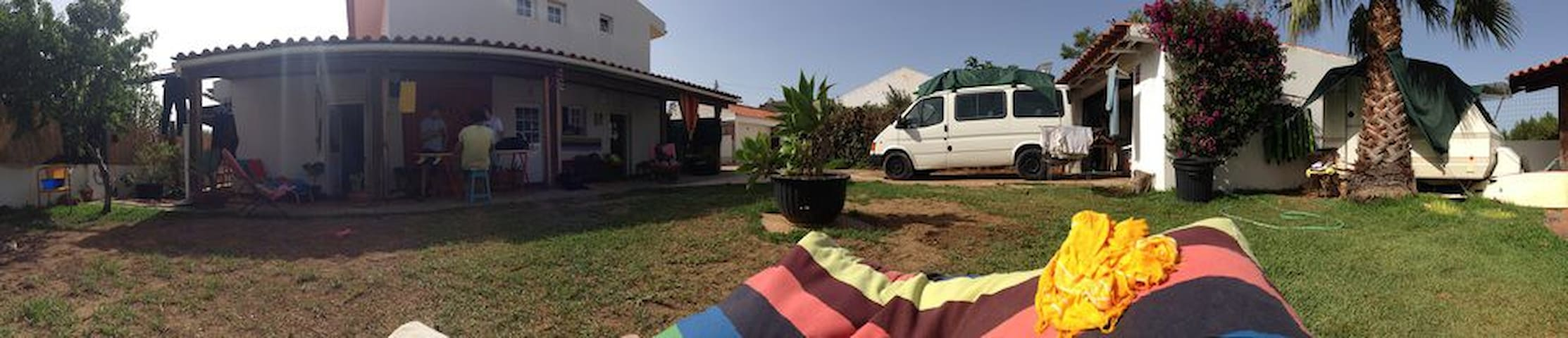 Surfcamp - Alcabideche - Bed & Breakfast
