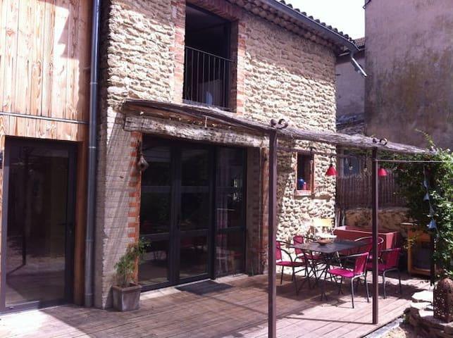 maison de village avec jardin - Upie