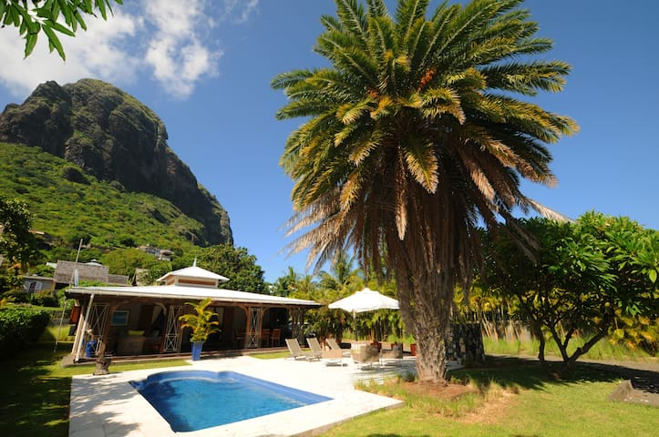 Villa Alira le Morne, private pool  and housemaid