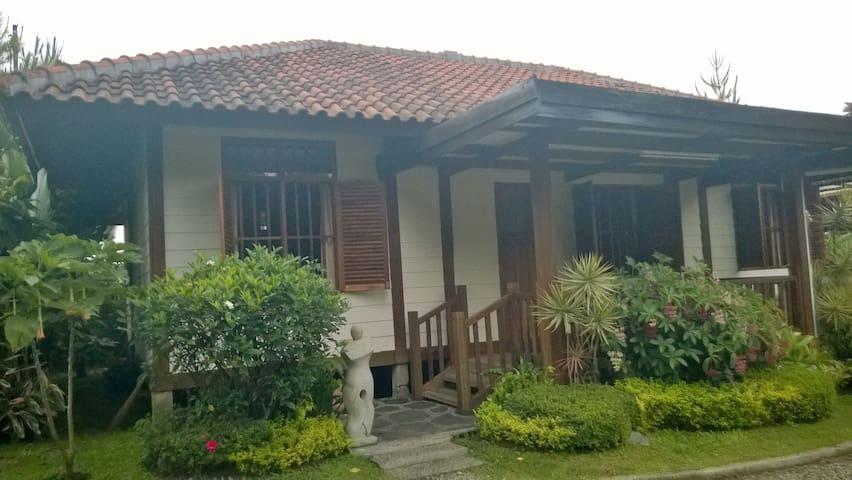 Villa Balsa Mountain View - Lembang - Lembang - Huvila