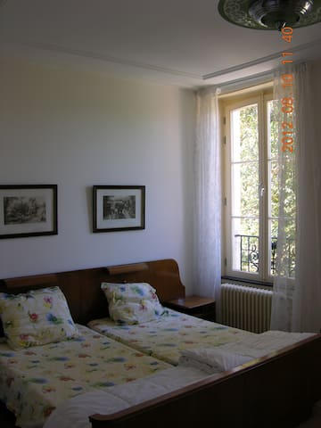 B&B in oude Presbytere, kamer West - Marigny-sur-Yonne - Apartment