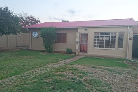 Xavier Street accommodation - Johannesburg South