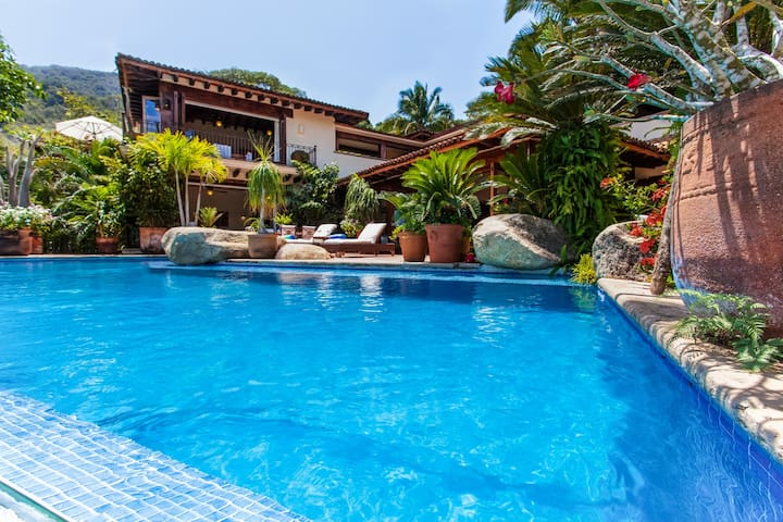 Tropical Garden Retreat with Pool - Puerto Vallarta - Haus