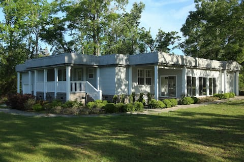 Marion Luxurious on a private plantation(4 bdrm)