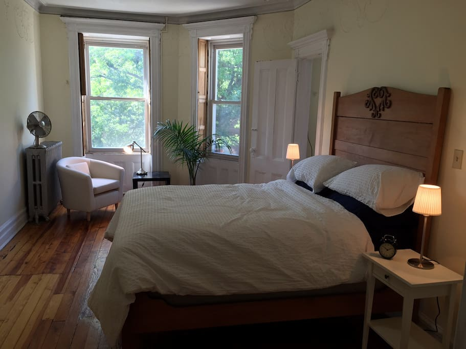Cozy brownstone living in brooklyn maisons de ville - Bel appartement de ville brooklyn new york ...