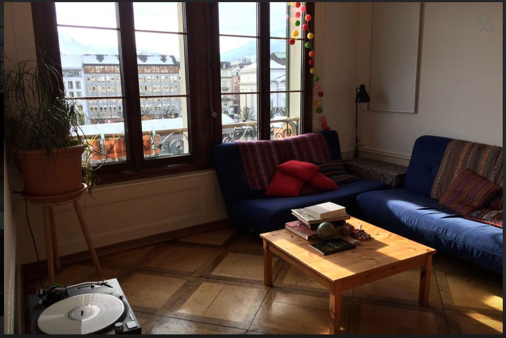 living room with view to the Chapelbridge and river Reuss