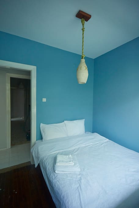 guest room- double bed-balcony- landscape