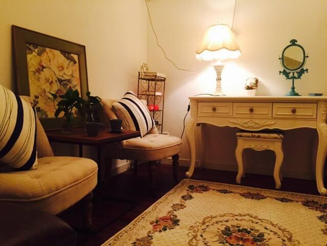 【南京东路外滩附近】 文艺复古单间 有独卫 老弄堂小洋房独立房间
