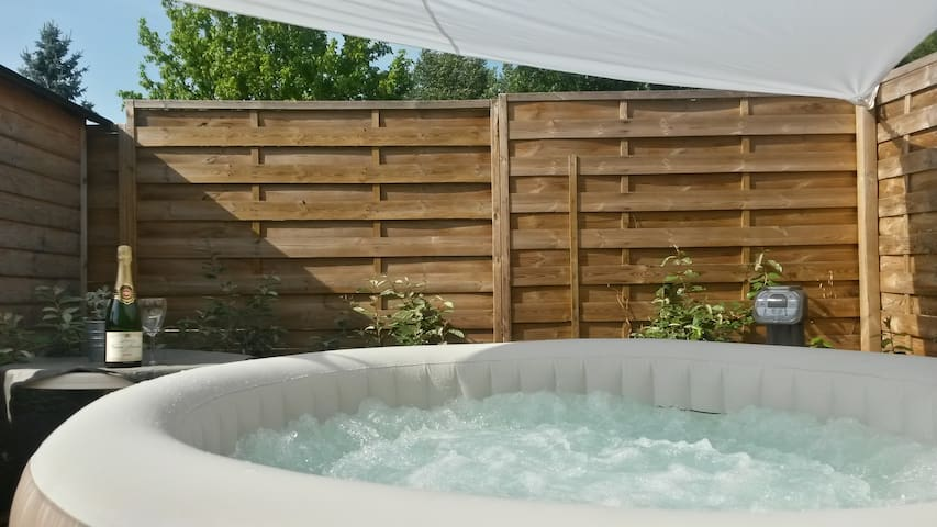 House relaxation - Private Jacuzzi - Espiet - Talo