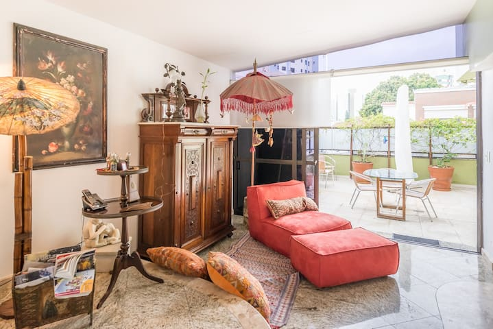 Charming single room by the Mall