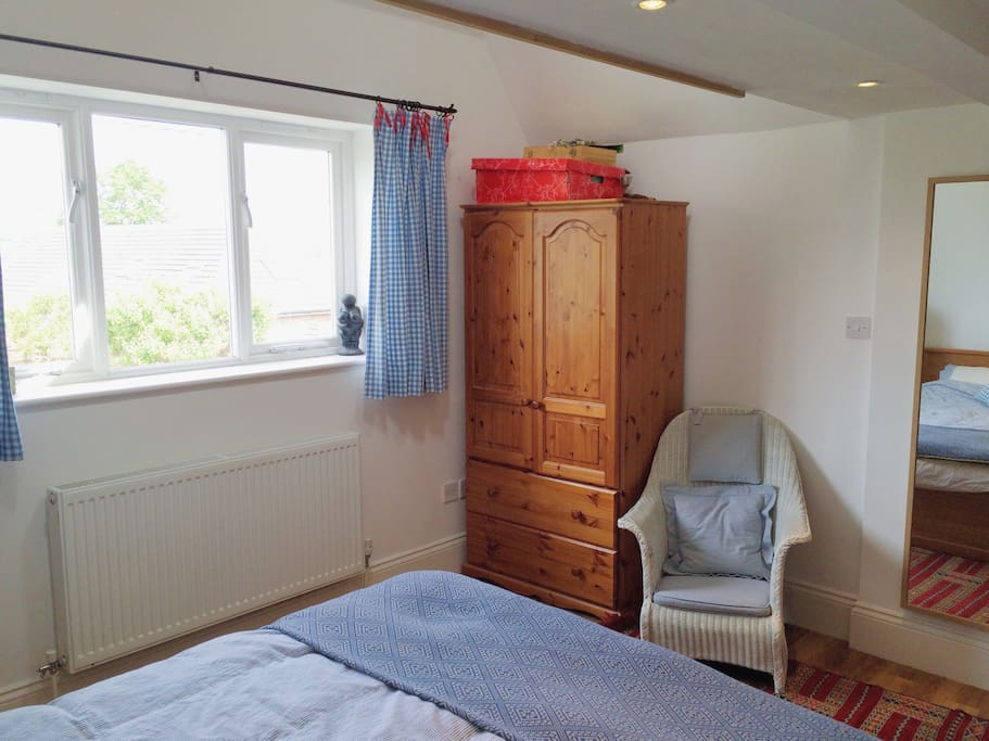 Light, comfortable and large main bedroom