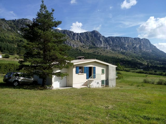 Maison Séranon, sud terrasse fermée - Séranon - Huis