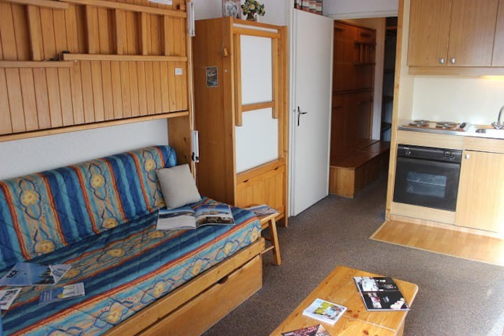 VAL THORENS STUDIO 2 PERSONS SIMPLE BUT CLOSE TO ALL FACILITIES