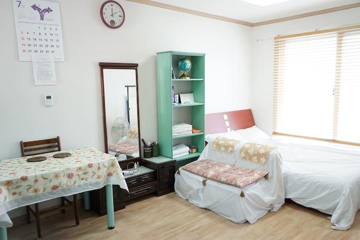 Fresh,quiet condo style, hill edge - Gwanak-gu - Haus