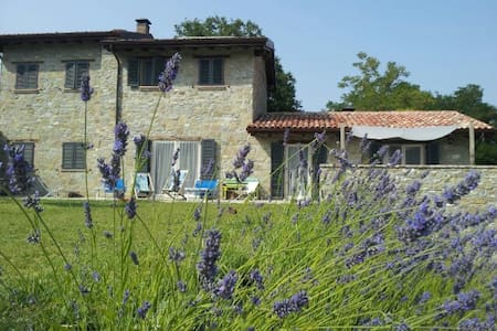 Charming stone house in the woods - Pellegrino Parmense