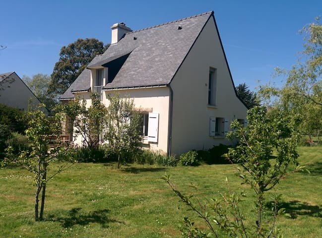 Maison proche bourg  (ile d'Arz)