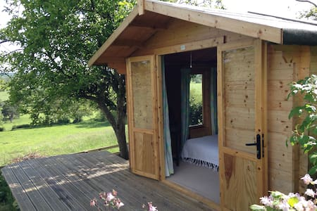 Harmonic Earth ~ Love Shack ~ Self contained Cabin - Glastonbury