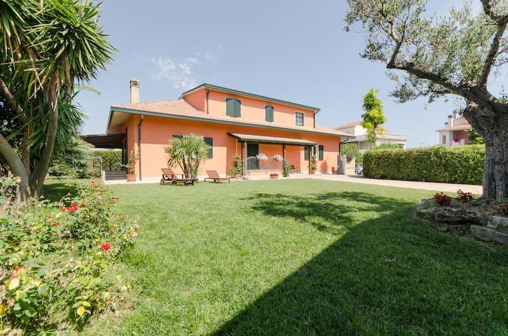Borgo Dragani 5 ospiti - villa mare - Ortona - Villa