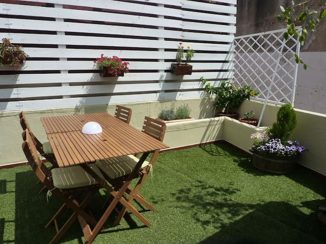 2 bedroom home with sunny terrace - Lisboa - Ev