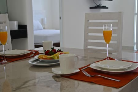 CANTABRIA HOUSE SUITES I