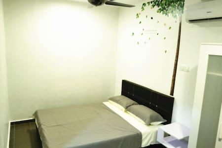 Cozy Room, Near JB Sentral/Custom 2min by car - Johor Bahru